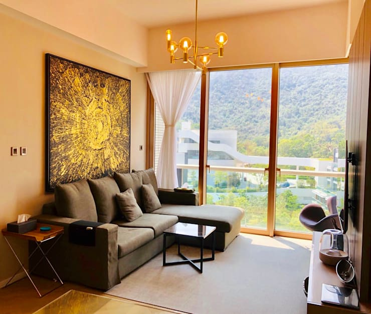 Mount Pavilia 傲瀧 | Clear Water Bay 西貢清水灣 | Hong Kong:  Living room by Nelson W Design