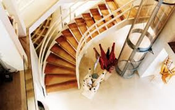 Home Lift:  Rumah keluarga besar by PT. Puridimas Austrindo