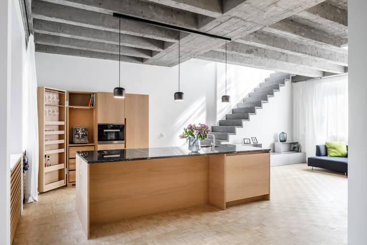 Phòng khách theo Corneille Uedingslohmann Architekten, Hiện đại