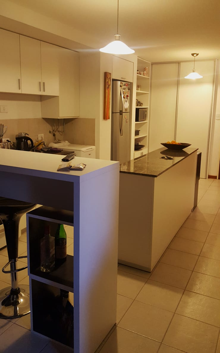 LA PROPUESTA CONSTRUIDA: Cocinas de estilo  por maria eugenia sayago arquitecta interiorista,