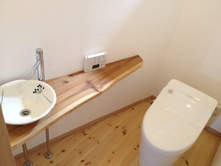 Bathroom by 株式会社高野設計工房