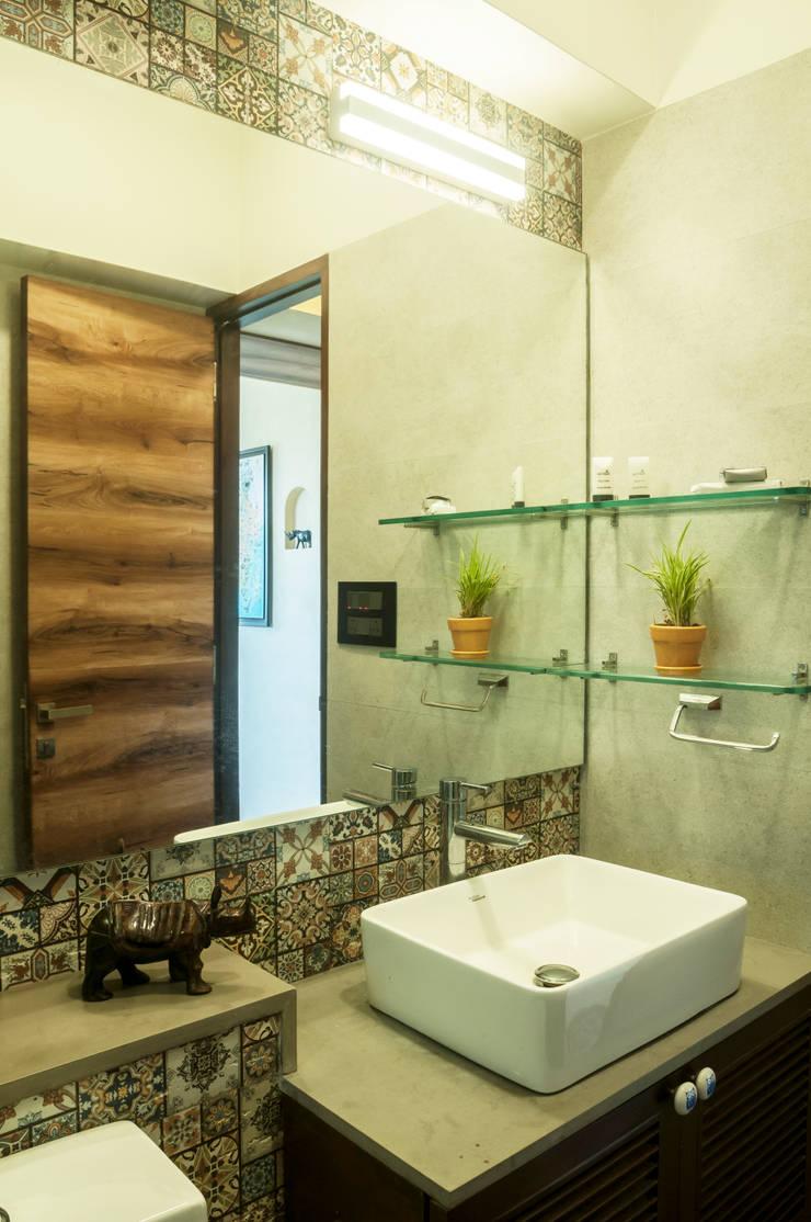 modern Bathroom by Decode Architecture