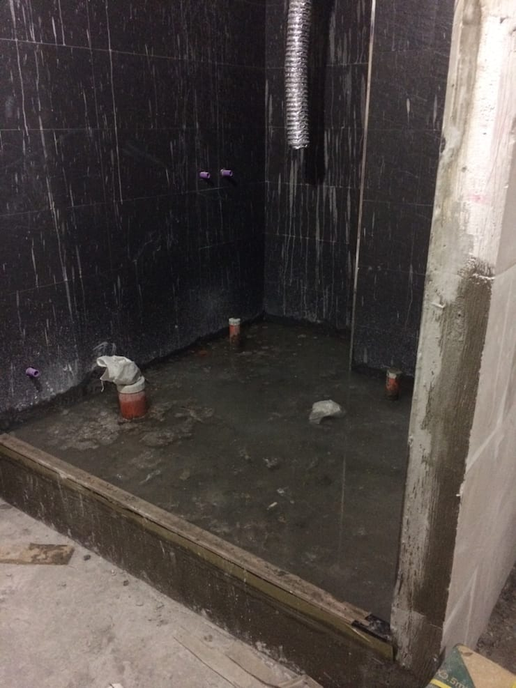 浴廁 綠能防潮石膏磚防水測試:   by 寶瓏室內裝修有限公司