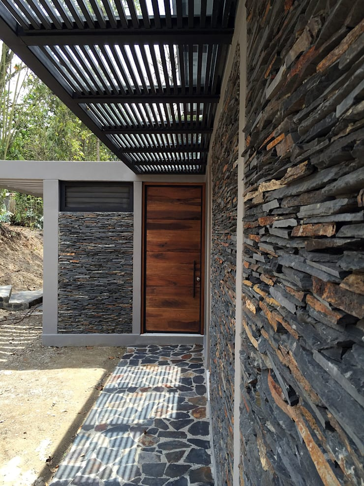 Casa Pacho Cundinamarca: Casas de estilo  por NOAH Proyectos SAS