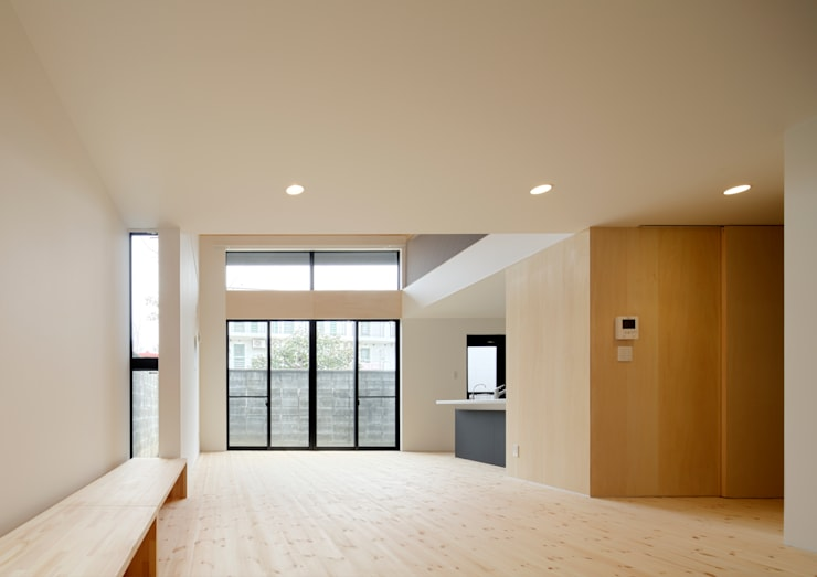 Living room by 一級建築士事務所 アリアナ建築設計事務所, Modern Ceramic