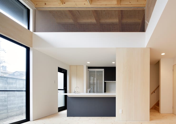 Kitchen by 一級建築士事務所 アリアナ建築設計事務所, Modern Ceramic
