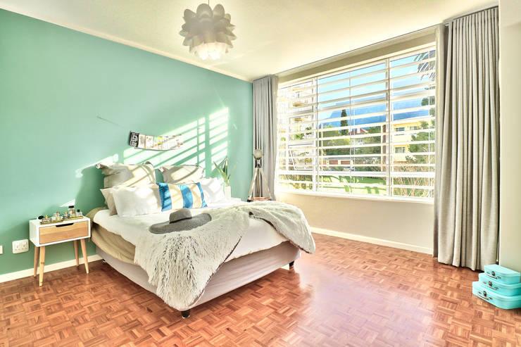 Devonshire Hills:  Bedroom by Studio Do Cabo