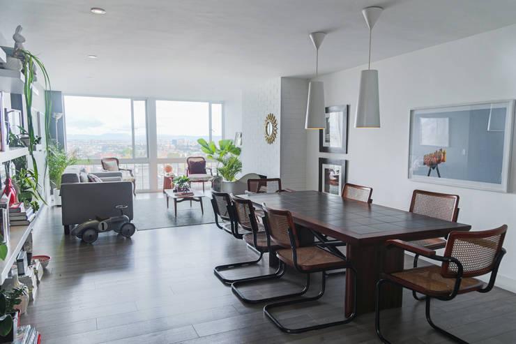 comedor apto calle 78: Comedores de estilo  por am Arquitectos, Moderno