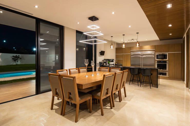 Comedores de estilo  por Nova Arquitectura