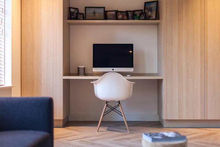 Ontwerp fris en eigentijds interieur:  Studeerkamer/kantoor door Bob Romijnders Architectuur & Interieur