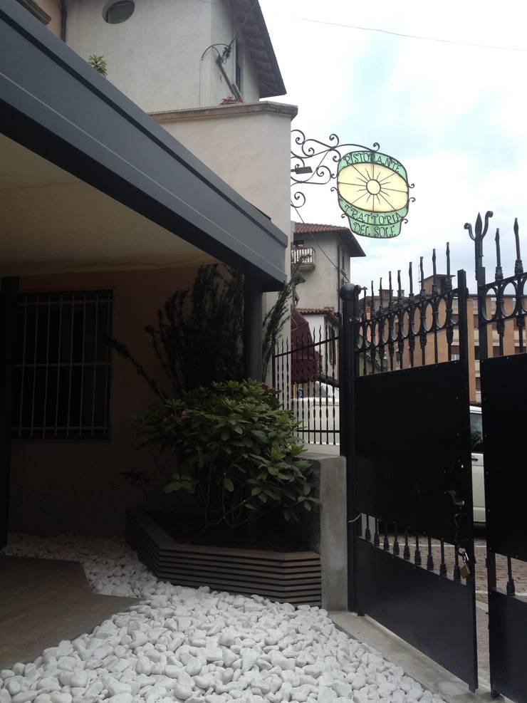 Modern offices & stores by BENDOTTI ZAMBONI Tecnici Associati Modern