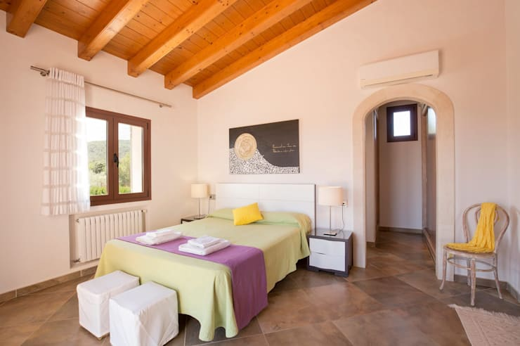 Dormitorio: Dormitorios de estilo  de Diego Cuttone, arquitectos en Mallorca