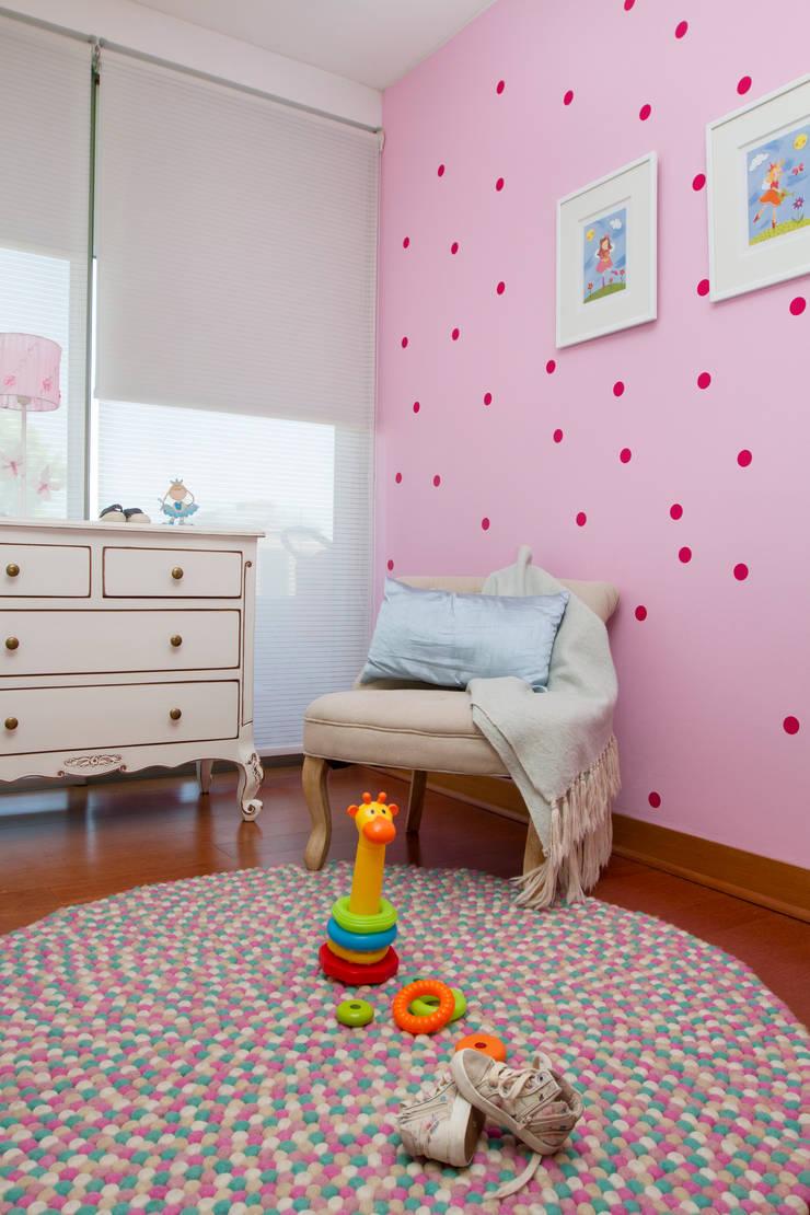 Vista General Dormitorio: Habitaciones infantiles de estilo  por Moon Design