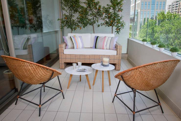 Vista General Terraza: Balcones y terrazas de estilo  por Moon Design