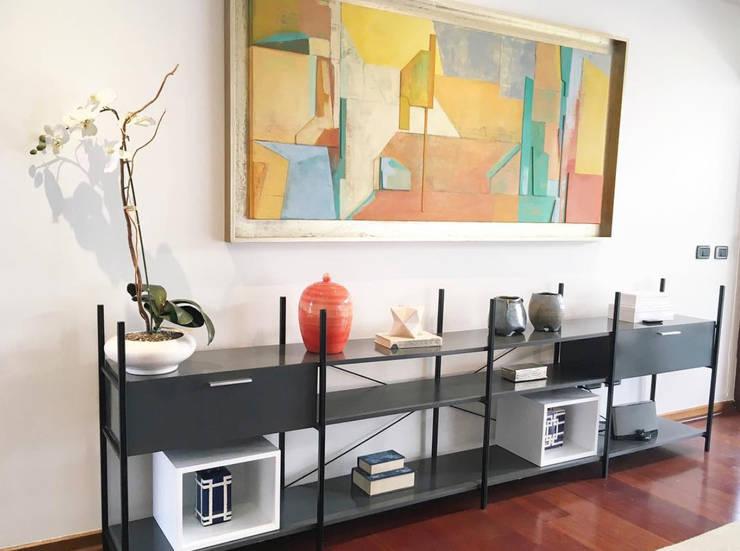 Vista mueble diseñado especialmente para nuestros clientes Salas de estilo moderno de Moon Design Moderno