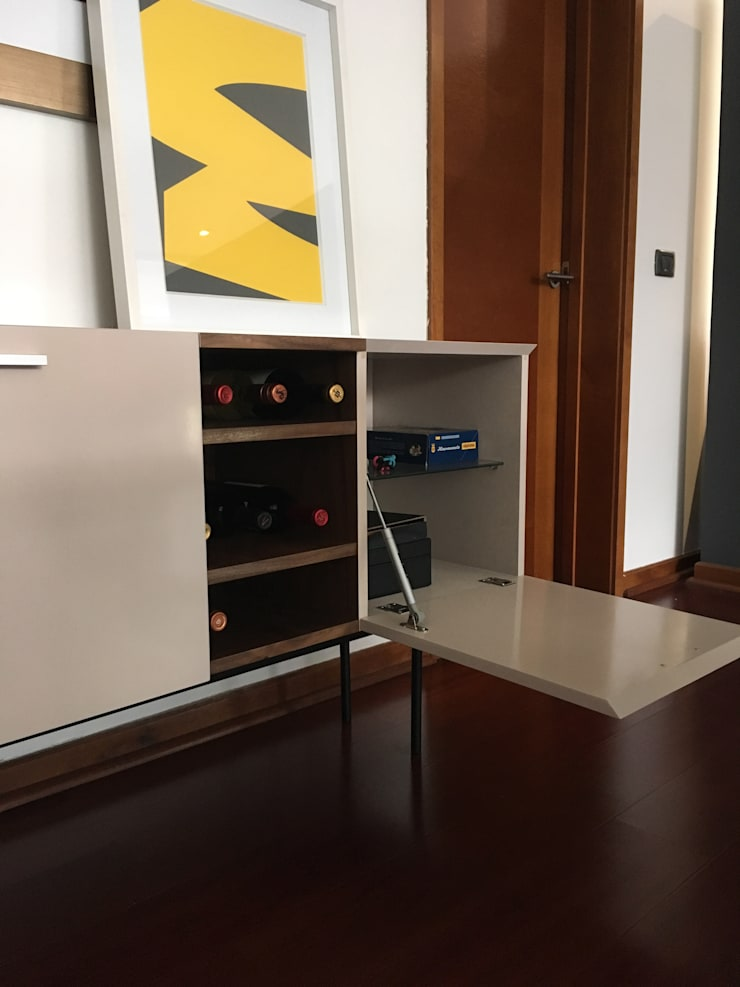Detalle mueble licores Comedores de estilo moderno de Moon Design Moderno