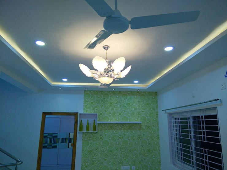 Mr Ravi Kumar PVR Meadows 3BHK Villa:  Corridor, hallway & stairs  by Enrich Interiors & Decors