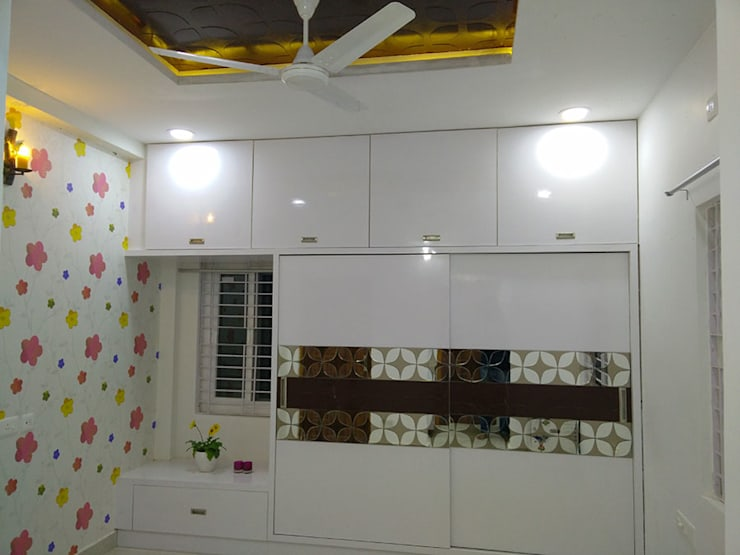 Mr Ravi Kumar PVR Meadows 3BHK Villa:  Bedroom by Enrich Interiors & Decors
