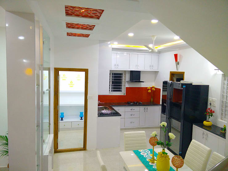 Mr Ravi Kumar PVR Meadows 3BHK Villa:  Built-in kitchens by Enrich Interiors & Decors