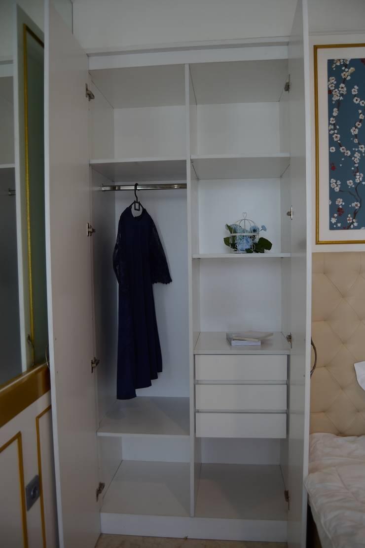 Lemari pakaian:  Ruang Ganti by POWL Studio