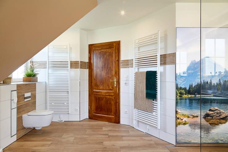 Bathroom by Banovo GmbH, Modern Wood-Plastic Composite