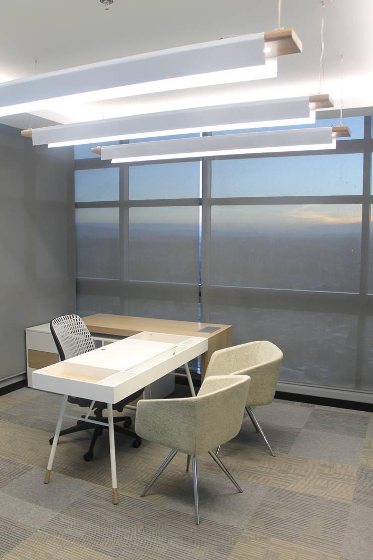 GERENCIA: Edificios de oficinas de estilo  por IngeniARQ Arquitectura + Ingeniería