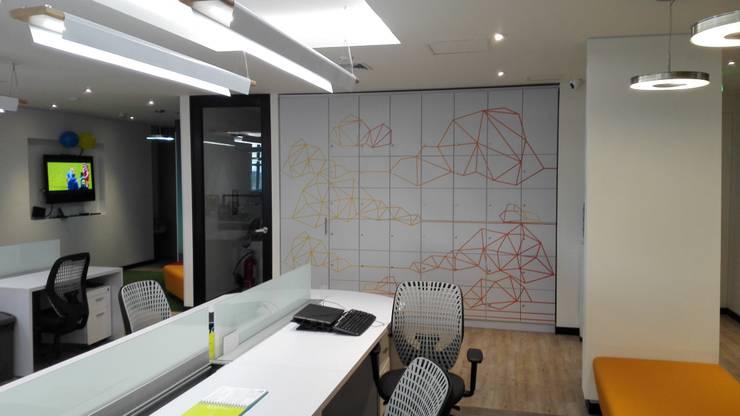 LOCKERS: Edificios de oficinas de estilo  por IngeniARQ Arquitectura + Ingeniería