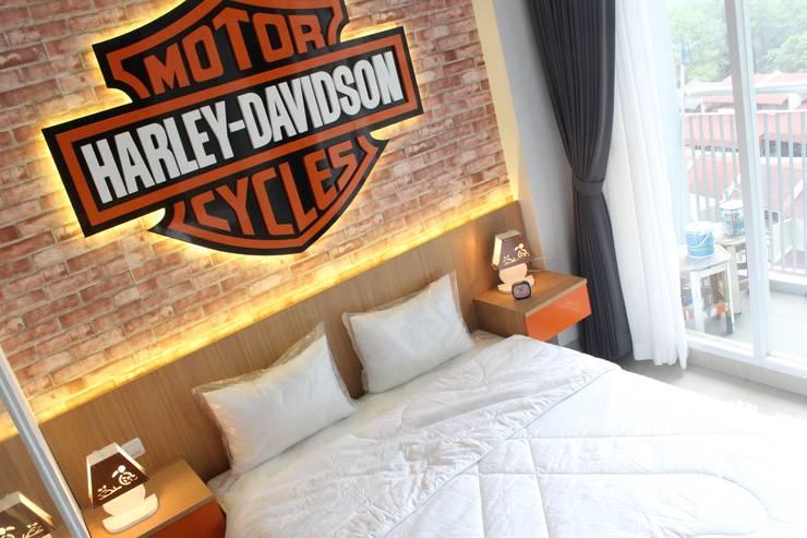 Dormitorios de estilo  por POWL Studio,