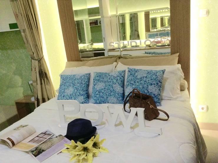 Dago Suite - Tipe 1 Bedroom:  Kamar Tidur by POWL Studio