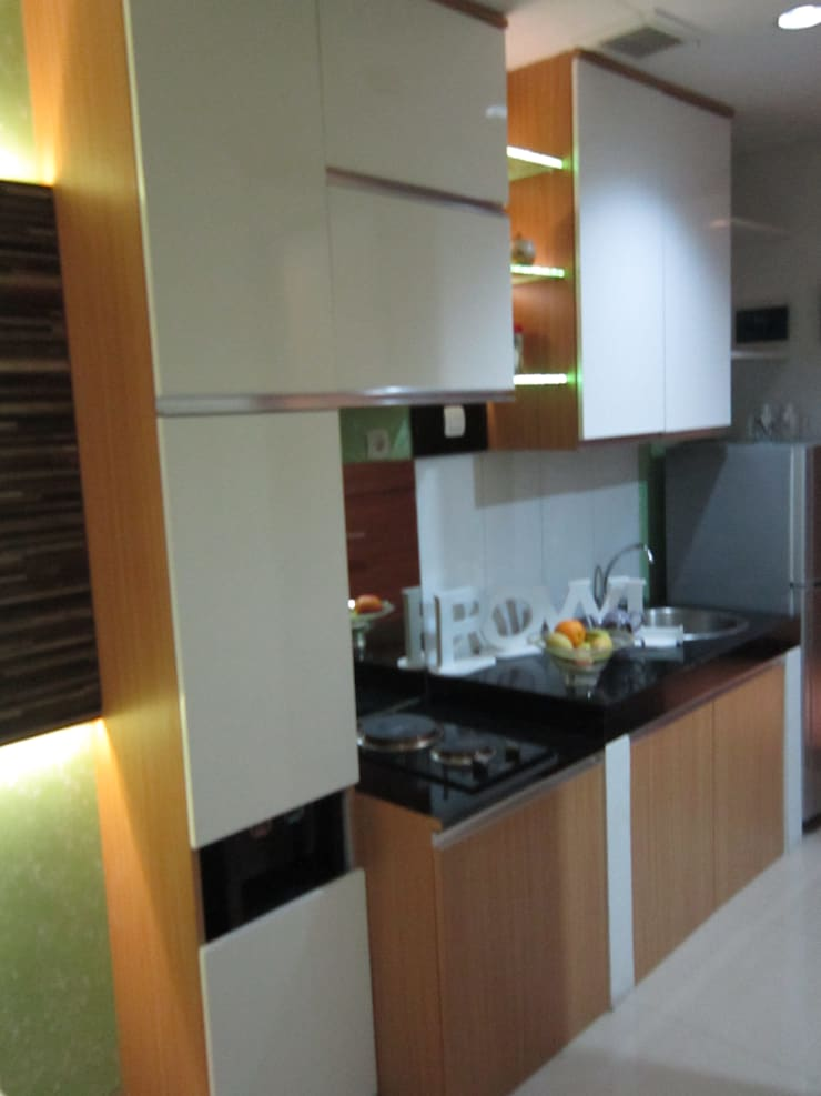 Dago Suite – Tipe 1 Bedroom:  Unit dapur by POWL Studio