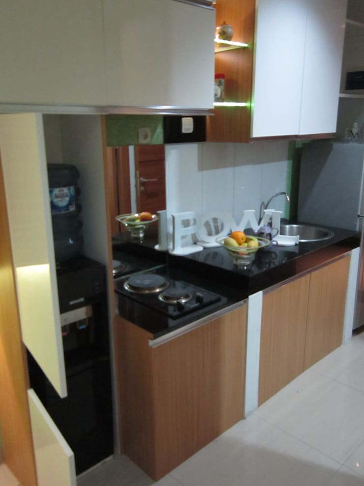 Dago Suite – Tipe 1 Bedroom:  Dapur built in by POWL Studio