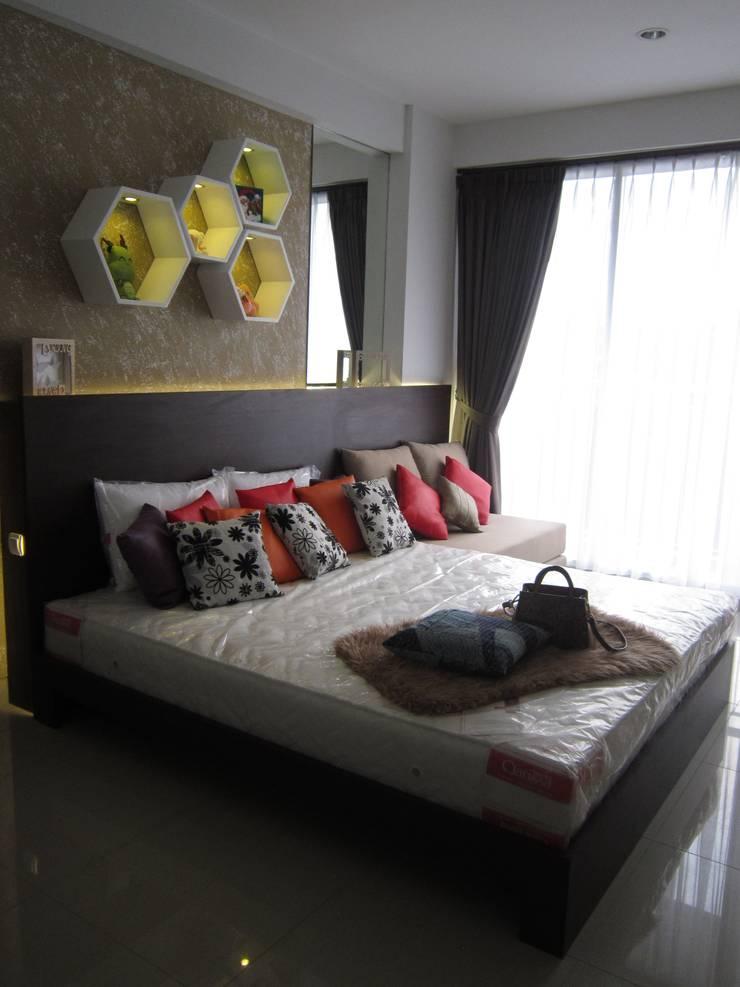 Dago Suite – Apartment Studio:  Kamar Tidur by POWL Studio