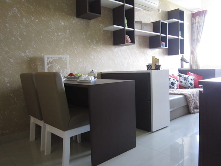 Dago Suite – Single Unit 1 Bedroom:  Ruang Makan by POWL Studio
