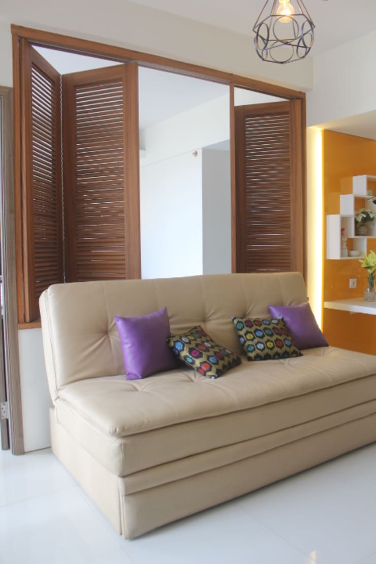 Galeri Ciumbuleuit III – Tipe 3 bedroom:  Windows & doors  by POWL Studio
