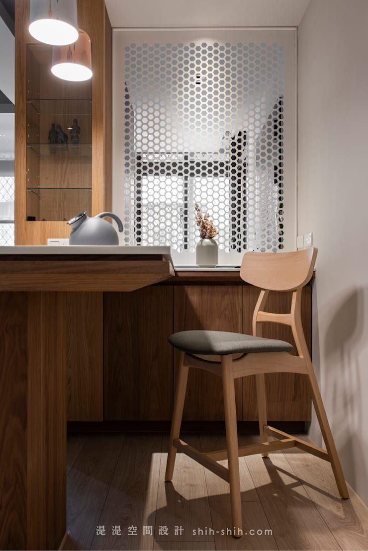 dinning table:  餐廳 by 湜湜空間設計