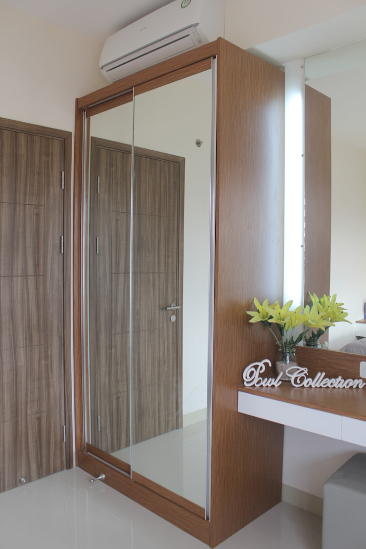 Galeri Ciumbuleuit III – 2 Bedroom Cypress:  Bedroom by POWL Studio