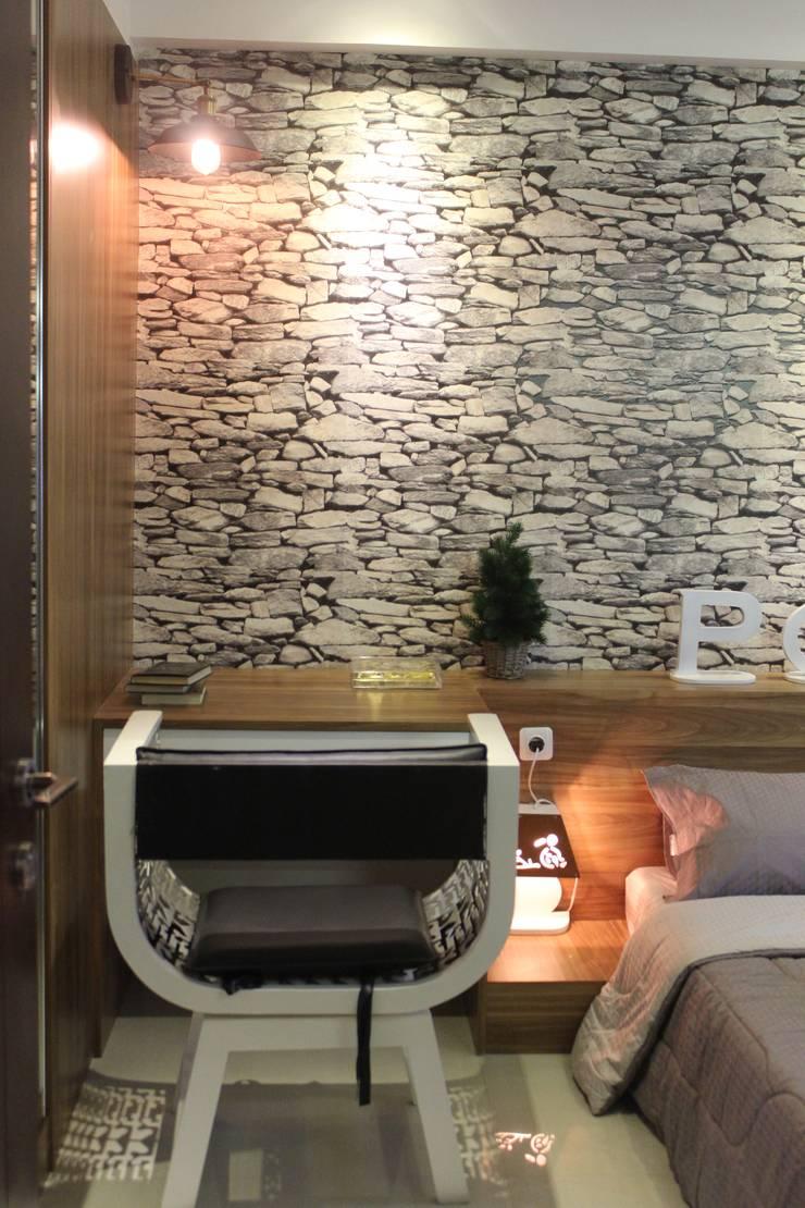 Bedroom by POWL Studio,