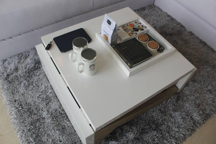 Meja Custom Untuk Ruang Tamu: modern Living room by POWL Studio