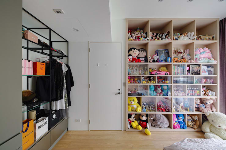 次臥一另一個角度:  臥室 by 直方設計有限公司