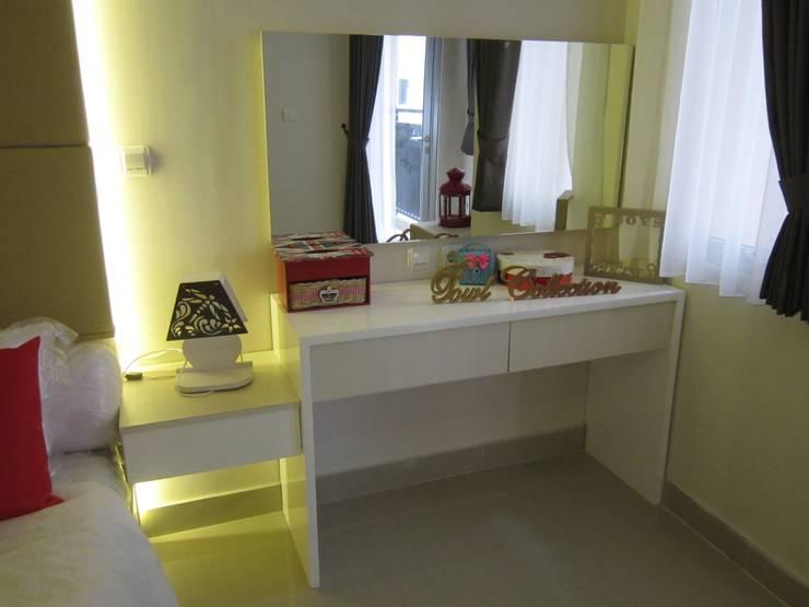 Sudirman Suite:  Ruang Ganti by POWL Studio