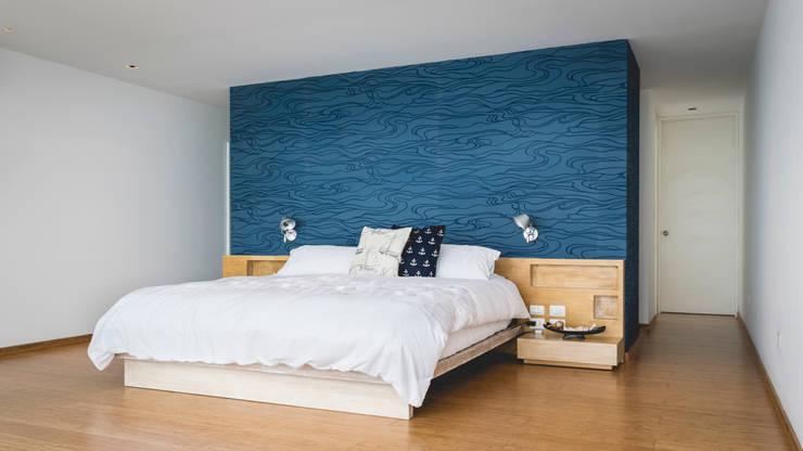 Casa de Playa: Dormitorios de estilo  por Cecilia Fernandini Estudio