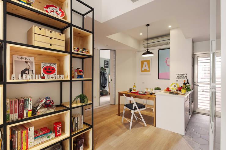 La Casa de Cathy  /  凱西特調之家:  餐廳 by 一葉藍朵設計家飾所 A Lentil Design