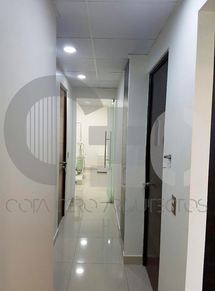 Consulta Dental: Clínicas / Consultorios Médicos de estilo  por Cota Cero Arquitectos