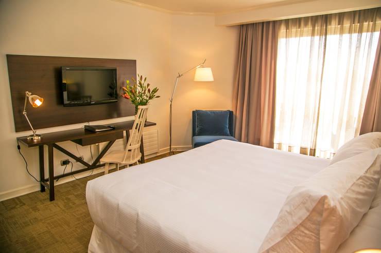 Vista General Dormitorio matrimonial: Dormitorios de estilo  por Moon Design