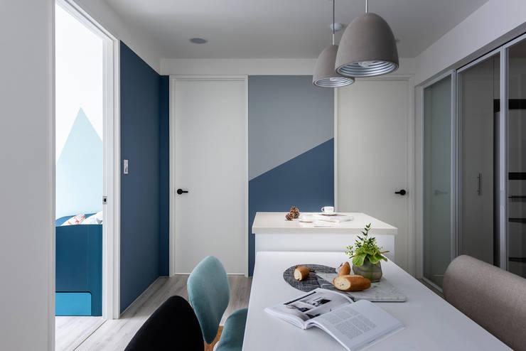 Water Blue:  書房/辦公室 by 寓子設計