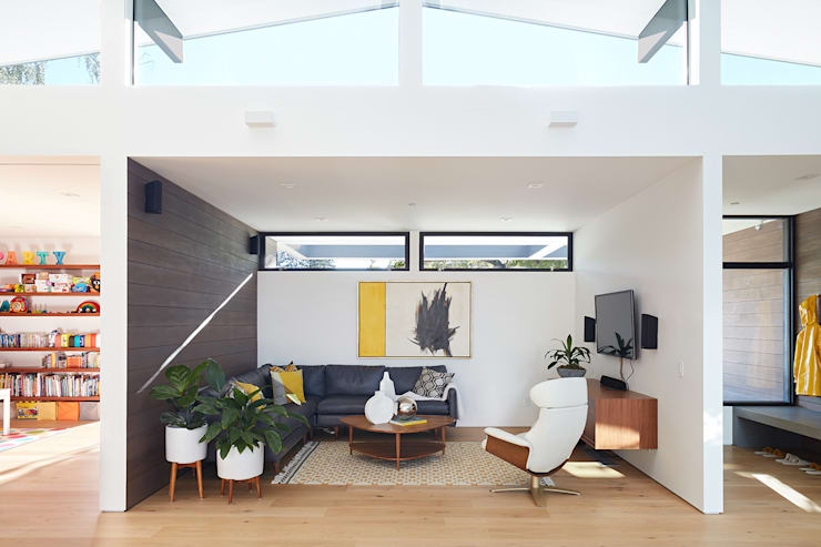 Living room by Klopf Architecture