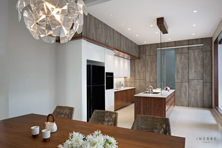 Built-in kitchens by INERRE Interior