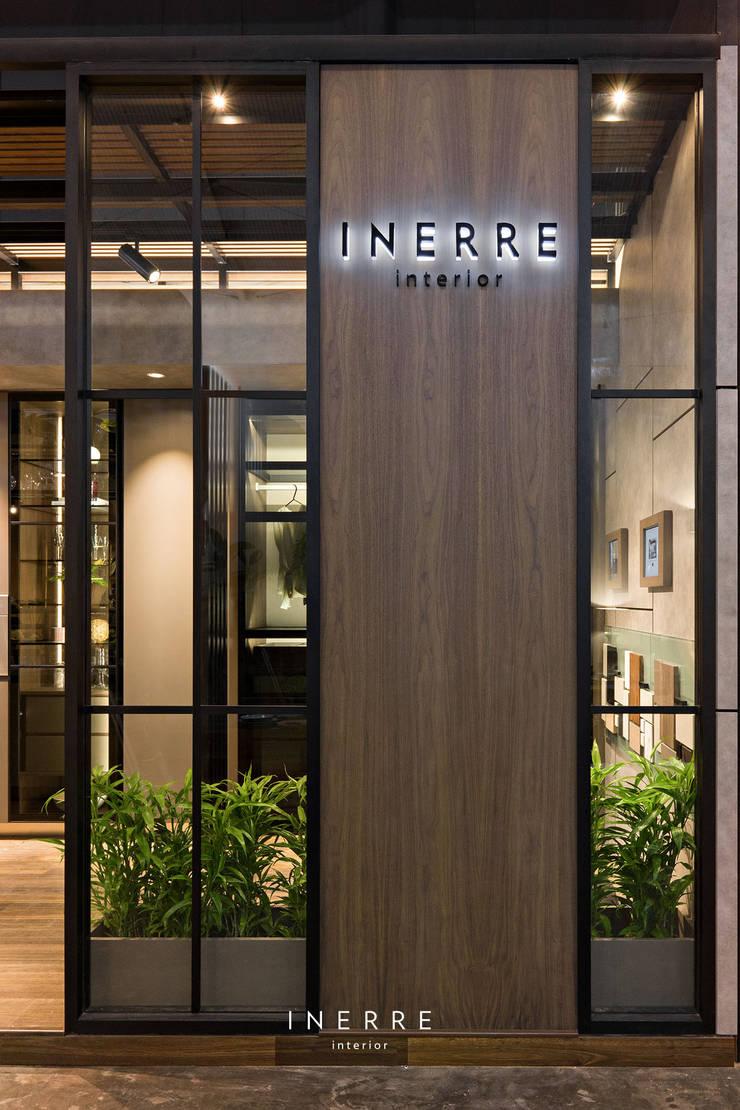 Walls & flooring by INERRE Interior