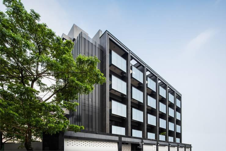 單純是最重要的設計:  辦公室&店面 by 竹村空間 Zhucun Design