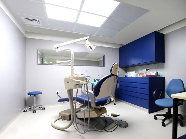 Remodelação de Clínica Dentária: Clínicas  por ERN Construções Lda